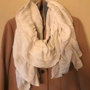 Accessories - Ruffle long white scarf!